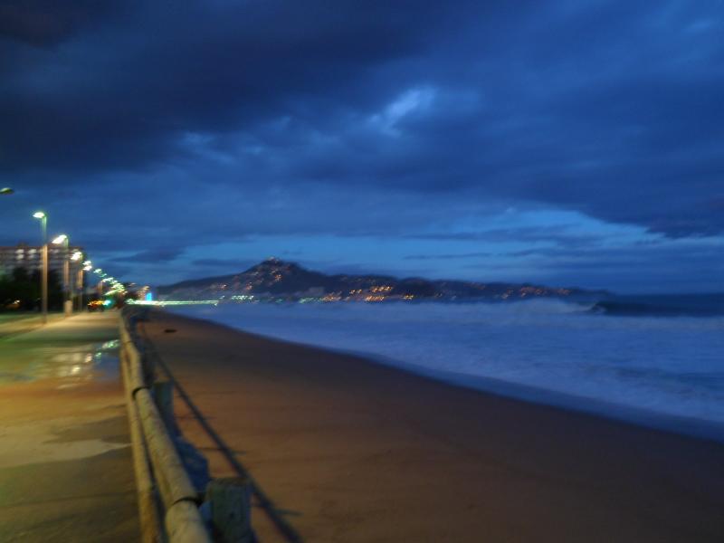 buenos días desde la playa-http://img97.xooimage.com/files/6/f/1/sam_1264-40c7c5f.jpg