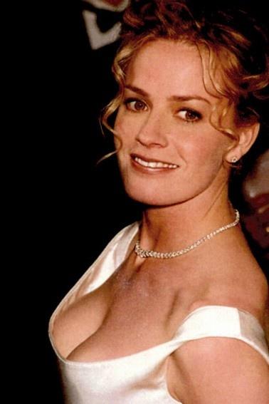 Nacktfotos von Elisabeth Shue im Internet - Mediamass